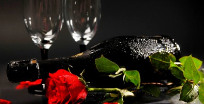 3d-abstract_widewallpaper_a-bottle-of-champagne_26223