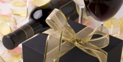 iStock_000017344023Medium-wine-and-gift-e1386297890428