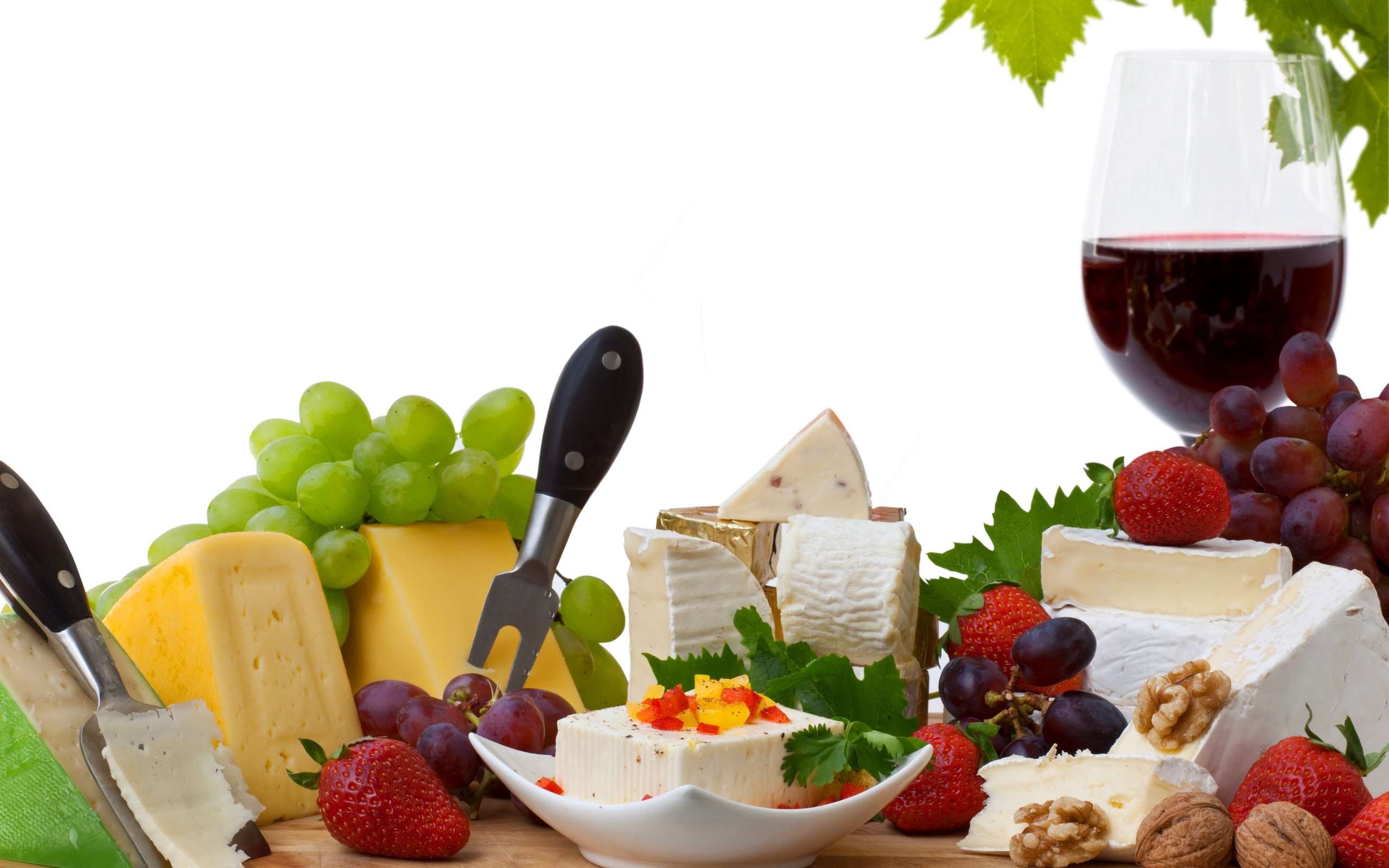 wine_grapes_red_cheese_strawberries_glass_80882_2560x1600